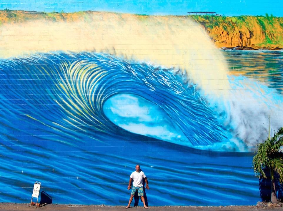 Hilton Mural 03 Maui Hilton Alves Paints 3rd Perfect Wave Mural of 101
