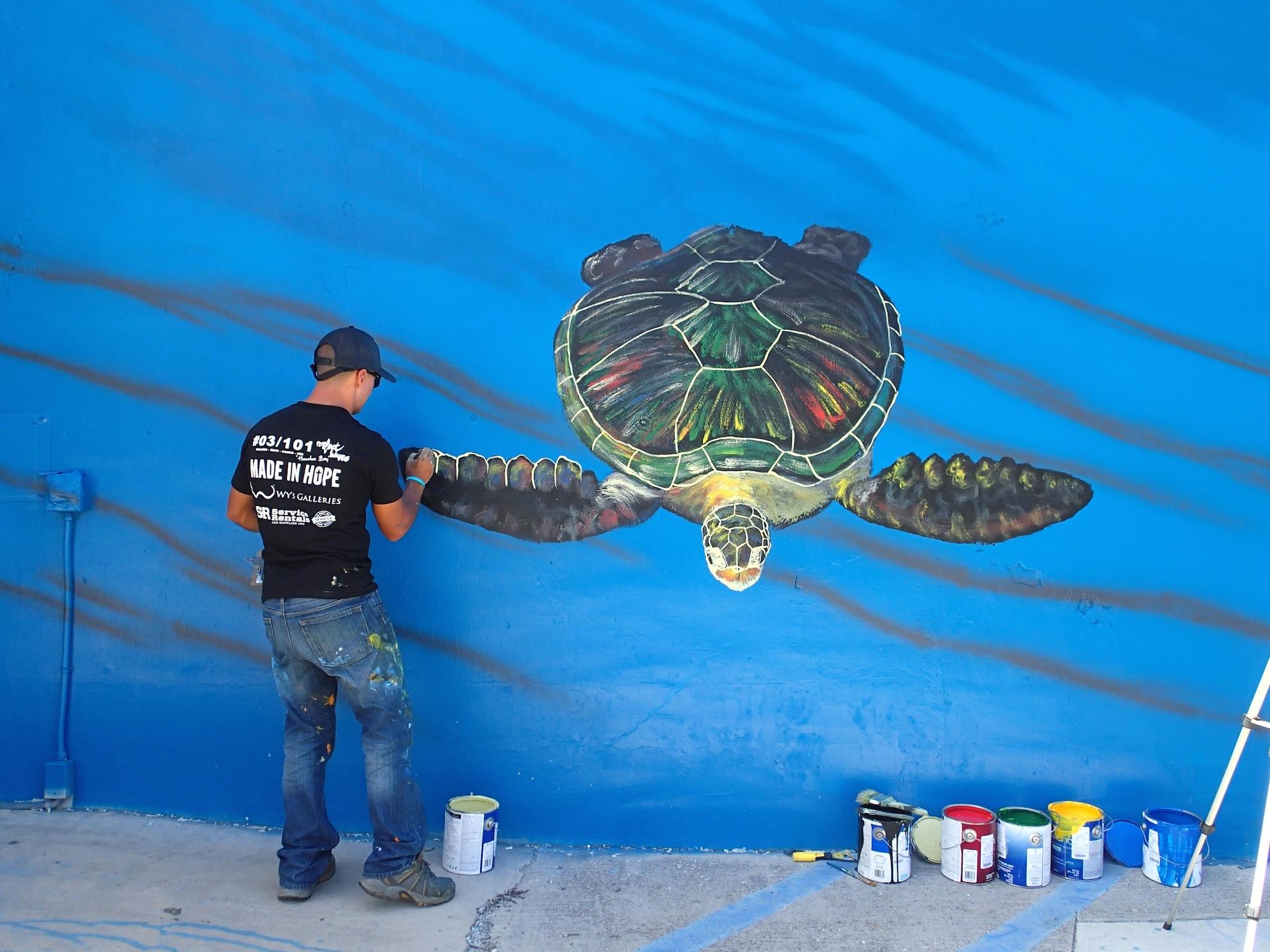 Hilton Turtle Mural Hilton Alves Paints 3rd Perfect Wave Mural of 101